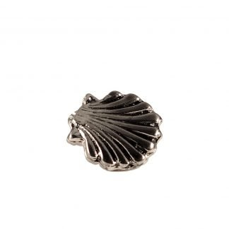 Metal saint james shell pin